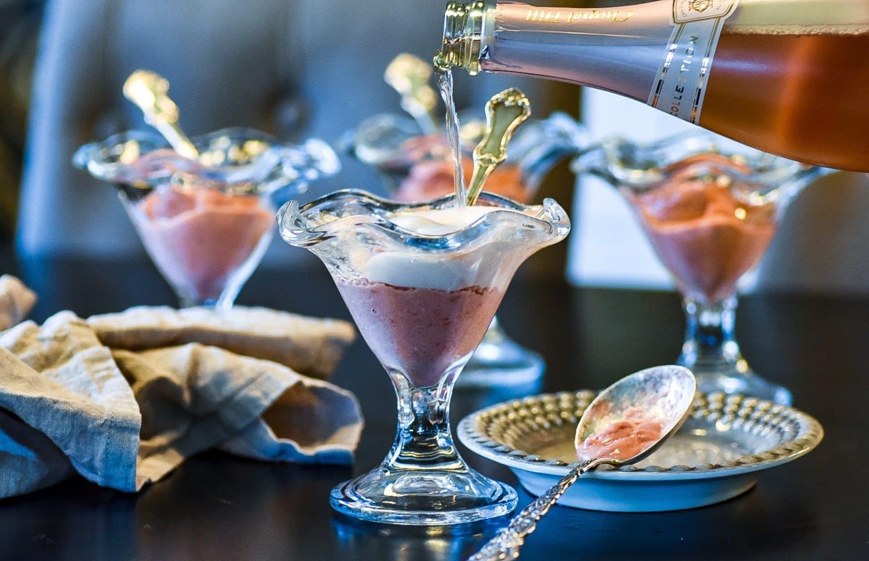 Nyårsdessert med bubbel och hemmagjord glass
