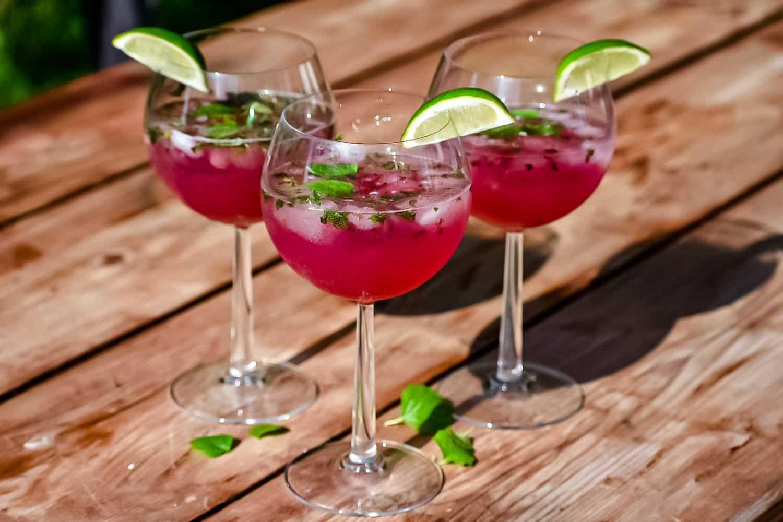 Recept- alkoholfri rabarber- och hallonmojito