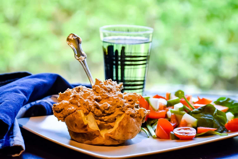 Recept- bakad potatis med kikärtsröra