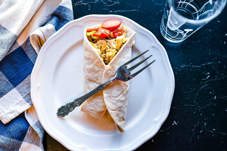 Recept- lunchwrap med äggröra och avokado