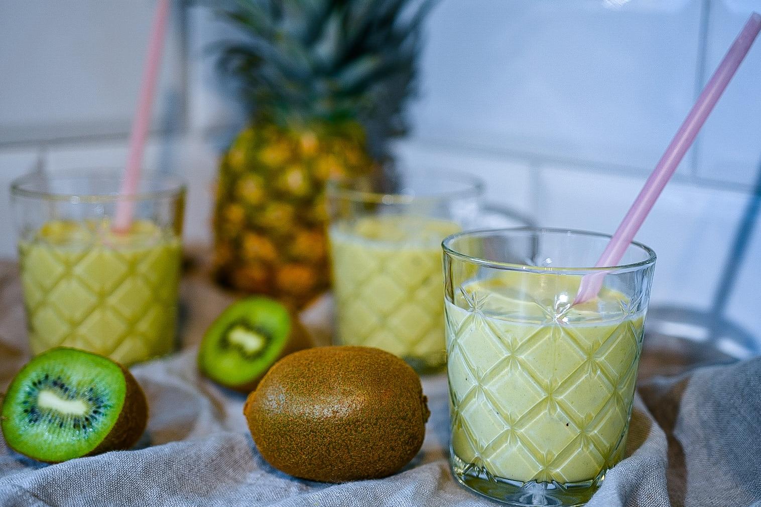 Recept- återhämtningssmoothie med tropiska smaker